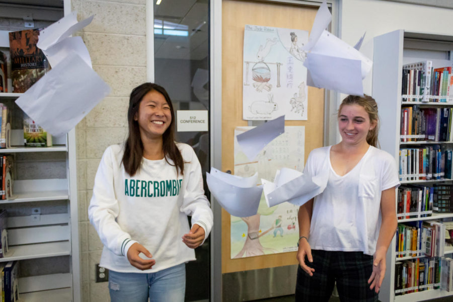 Sophomores+Kate+Hiyashi+and+Jordan+Amlen+are+directors+of+Classline+this+year%2C+which+Hayashi+began+spring+2018.+Since+then%2C+the+team+has+created+dozens+of+study+guides+and+articles.