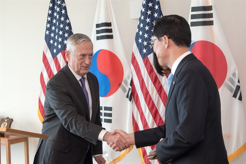 U.S.+Secretary+of+Defense+James+Mattis+meets+South+Korean+Minister+of+Defense+Song+Young-moo.+