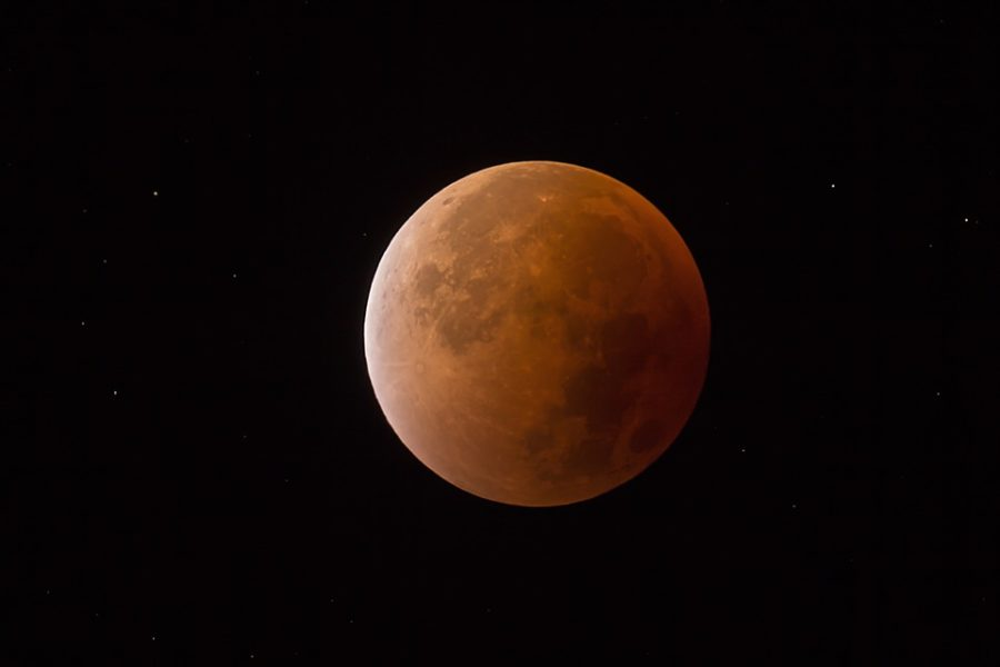 In+addition+to+the+red+tint+of+the+moon+caused+by+the+lunar+eclipse%2C+the+elliptical+orbit+of+the+supermoon+allows+it+to+appear+14+percent+larger+and+up+to+30+percent+brighter.