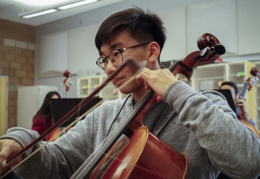 "Andy Son focuses on his cello techniques by playing Dmitri Shostakovich's ""Symphony No.8"" in class."