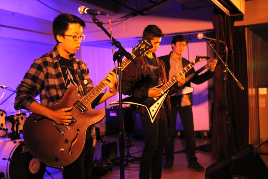 Lead+guitarist+Yash+Menon%2C+rhythm+guitarist+Nicholas+Hung%2C+bass+guitarist+Brian+Yip%2C+and+drummer+and+vocalist+Derrick+Peng+of+Cardboard+Prison+performed+a+medley+of+songs%2C+playing+several+original+compositions.++++%0A