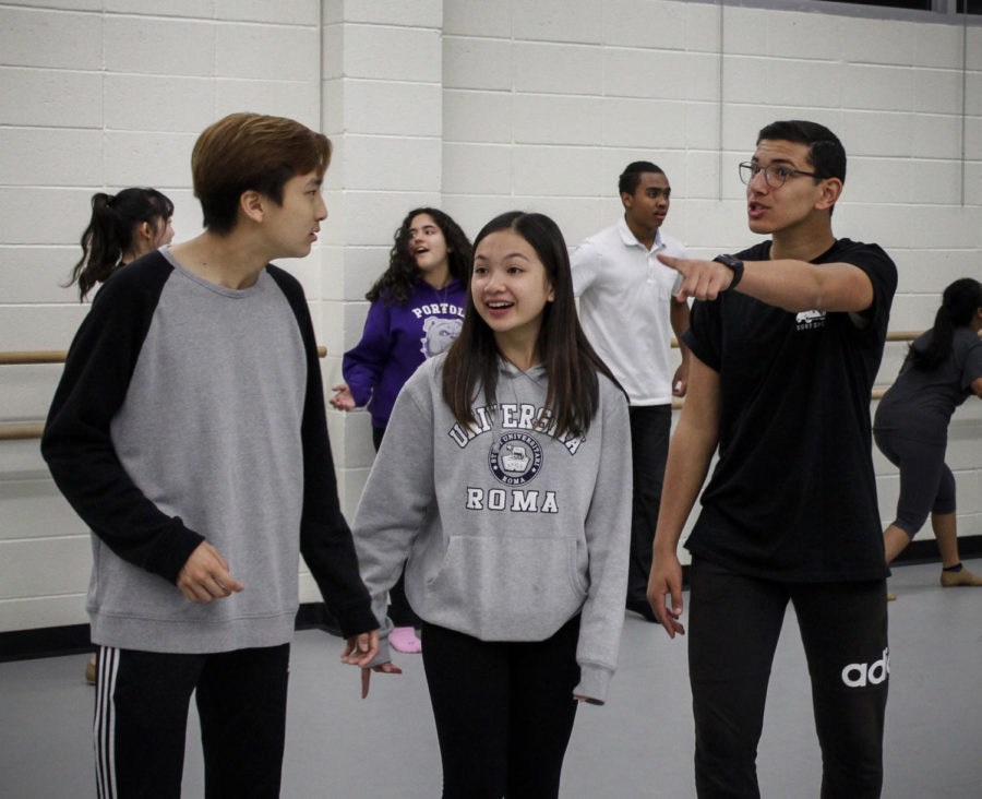 Freshmen Eric Hao, Rachel Abalos and Youssef Yassim depart for Emerald City.