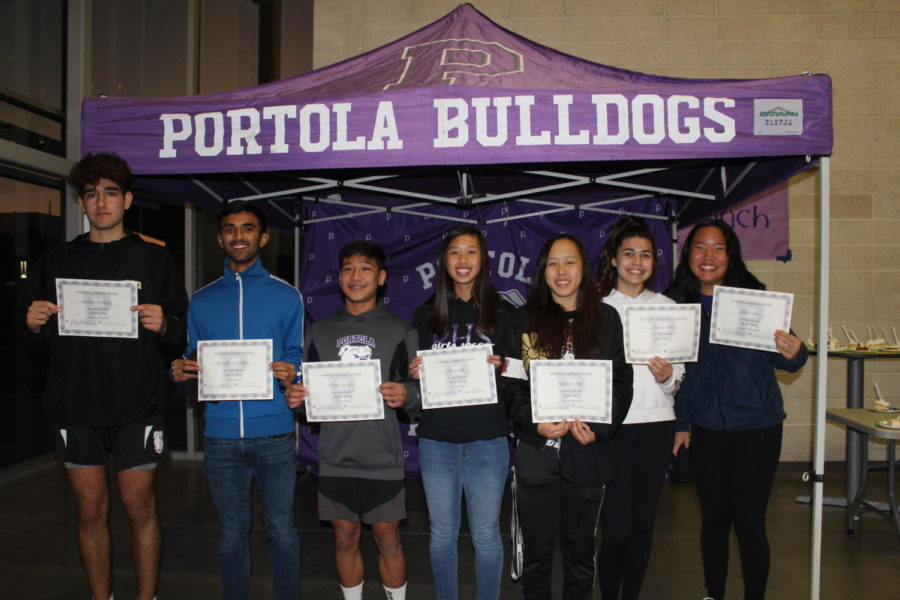 Winter+Top+Dog+award+recipients+lined+up+after+a+night+of+food+and+speeches+in+their+honor.+Athletes+include%3A+junior+Mohsen+Hashemi%2C+junior+Anirudh+Chaudhary%2C+freshman+Ethan+Qureshi%2C+junior+Alyssa+Ing%2C+junior+Madelyn+Noh%2C+sophomore+Kaitlyn+Miller+and+sophomore+Adele+Yoon.
