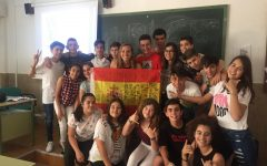 Spanish teacher Grace Maginn is surrounded by her class of students who had thrown a surprise party on her last day teaching in spring 2017. While living in Salamanca from 2016 to 2017, Maginn taught as an English teacher at a high school located in Zamora, Spain.
