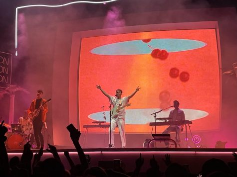 """Glass Animals performs """"I Don't Wanna Talk (I Just Wanna Dance)"""" live on Sept. 19 at the Hollywood Forever Cemetery. The band recently embarked on its """"Dreamland"""" Tour and debuted the single live at an earlier concert."""